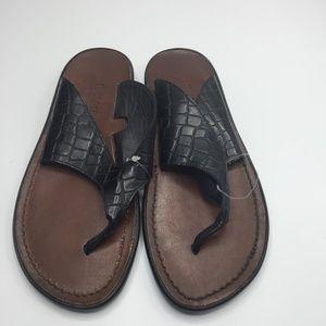 Munro Hera Embossed Thong WIDE Sandals